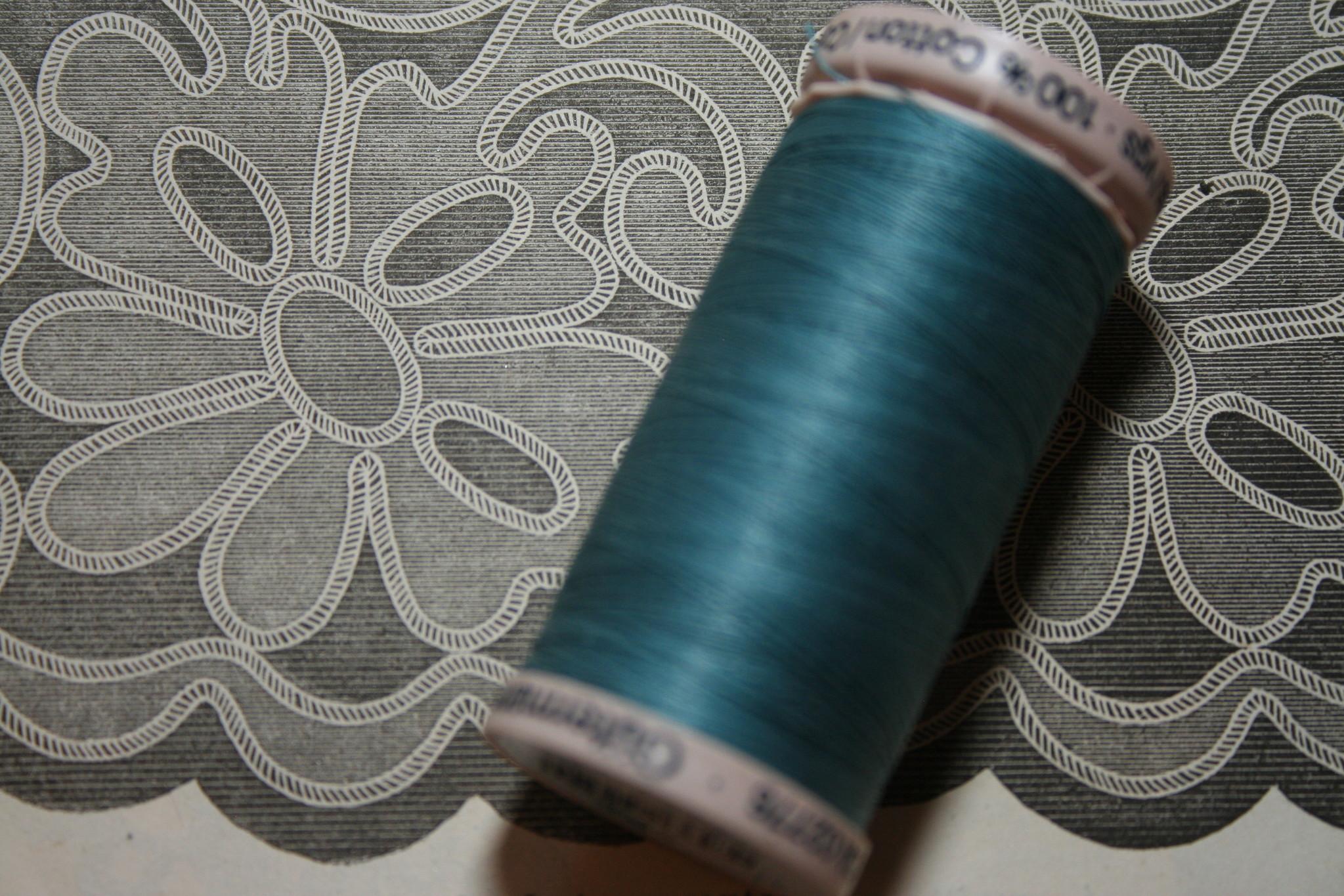 Gutermann quilt cotton thread diff. colors
