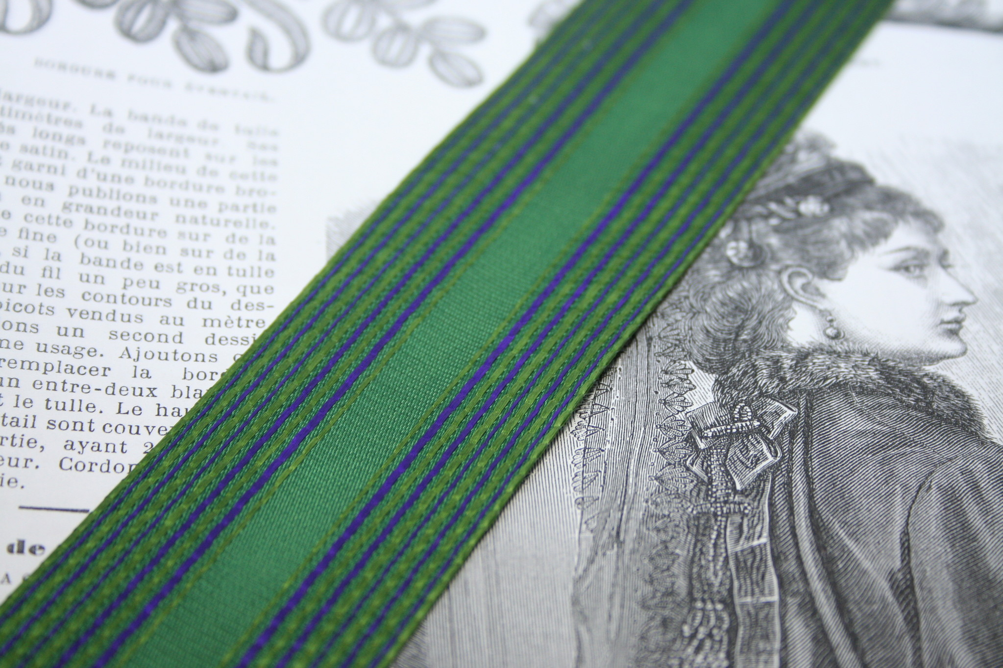 Vintage green with purple stripe ribbon 40mm per m.