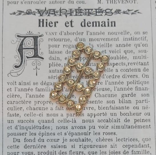 Vintage faux Diamond Buckle