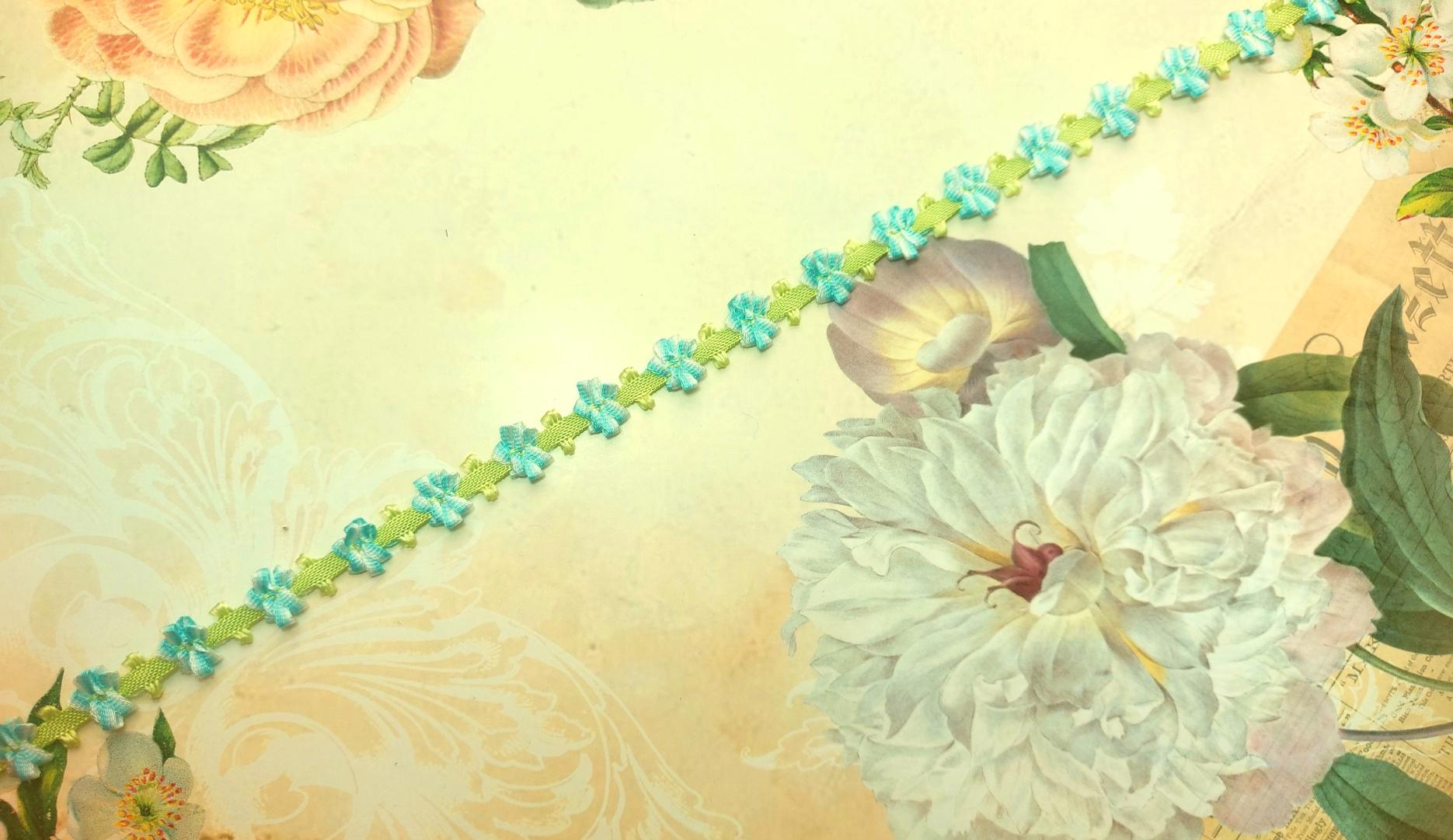 18th century Floral trim