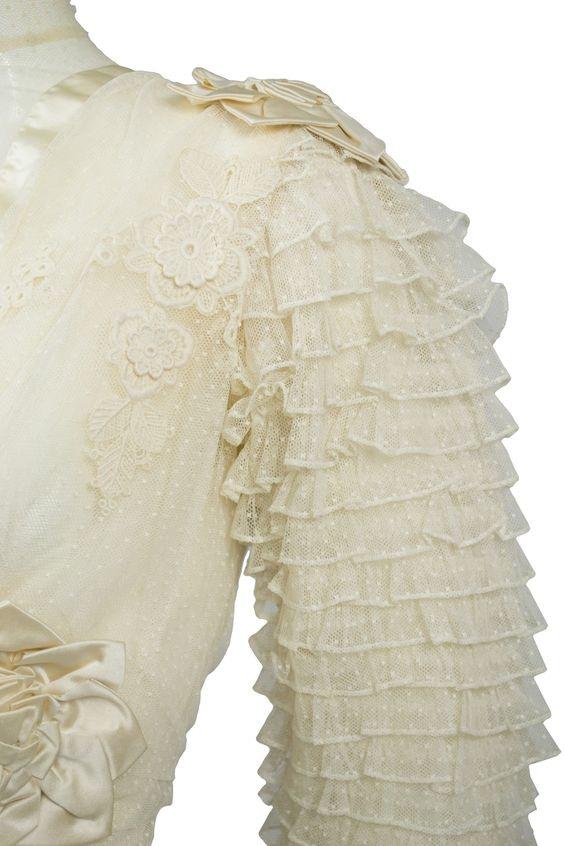 Antique Blonde Lace Appliques