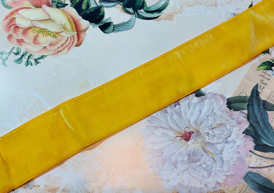 Antique Velvet trim Yellow