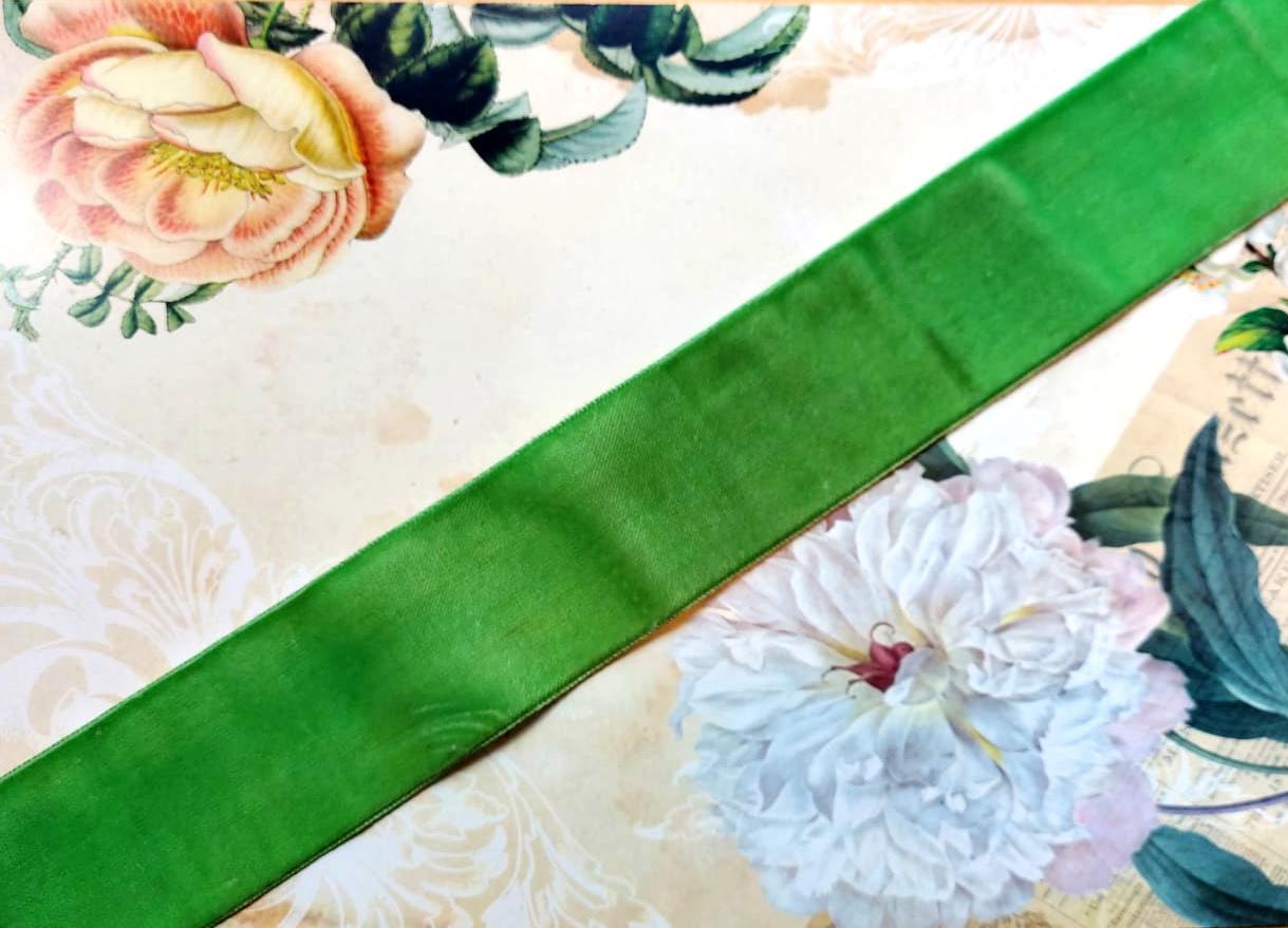 Antique Velvet trim Green