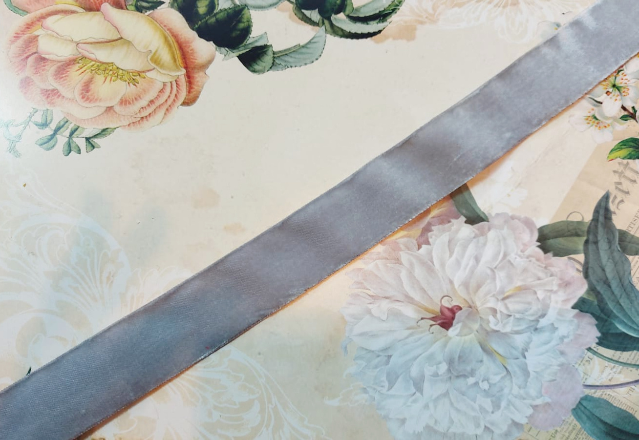 Antique Velvet trim Grey  diff. widths