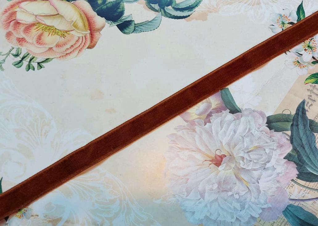 Antique Velvet trim Brown col.30