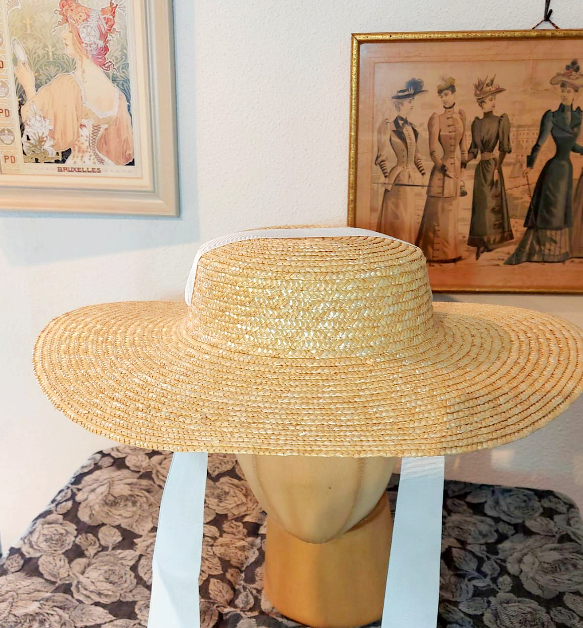 "Straw ""Bergere"" Hat medium high"