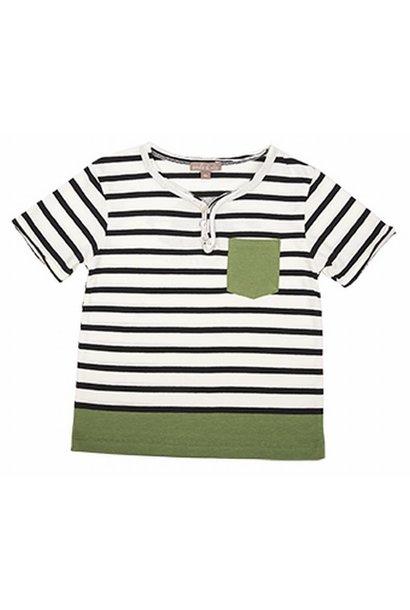T-shirt bowler hat