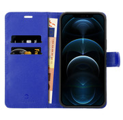 Coverzs iPhone 12 Bookcase hoesje (blauw)