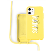 Coverzs Silicone case met koord iPhone 12 / 12 Pro (Geel)  - Name + name - Verticaal