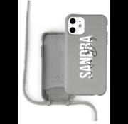 Coverzs Silicone case met koord iPhone 12 / 12 Pro (grijs) - Name + Name - Verticaal