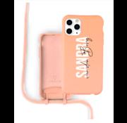 Coverzs Silicone case met koord iPhone 11 Pro Max (oranje) - Name + Name - Verticaal