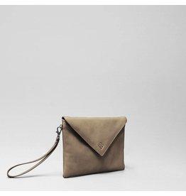 Chalrose Envelop Clutch Tan