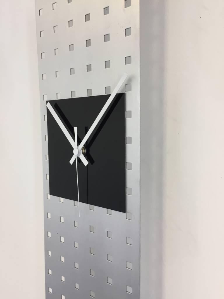 ChantalBrandO Wandklok Perfor Design Black Square