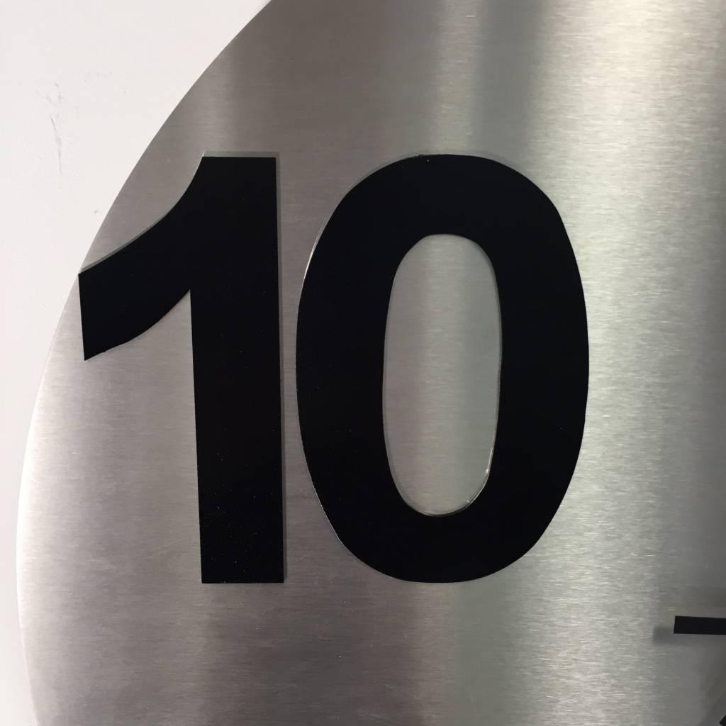ChantalBrandO Wandklok Rond TEN-FIVE Modern Design