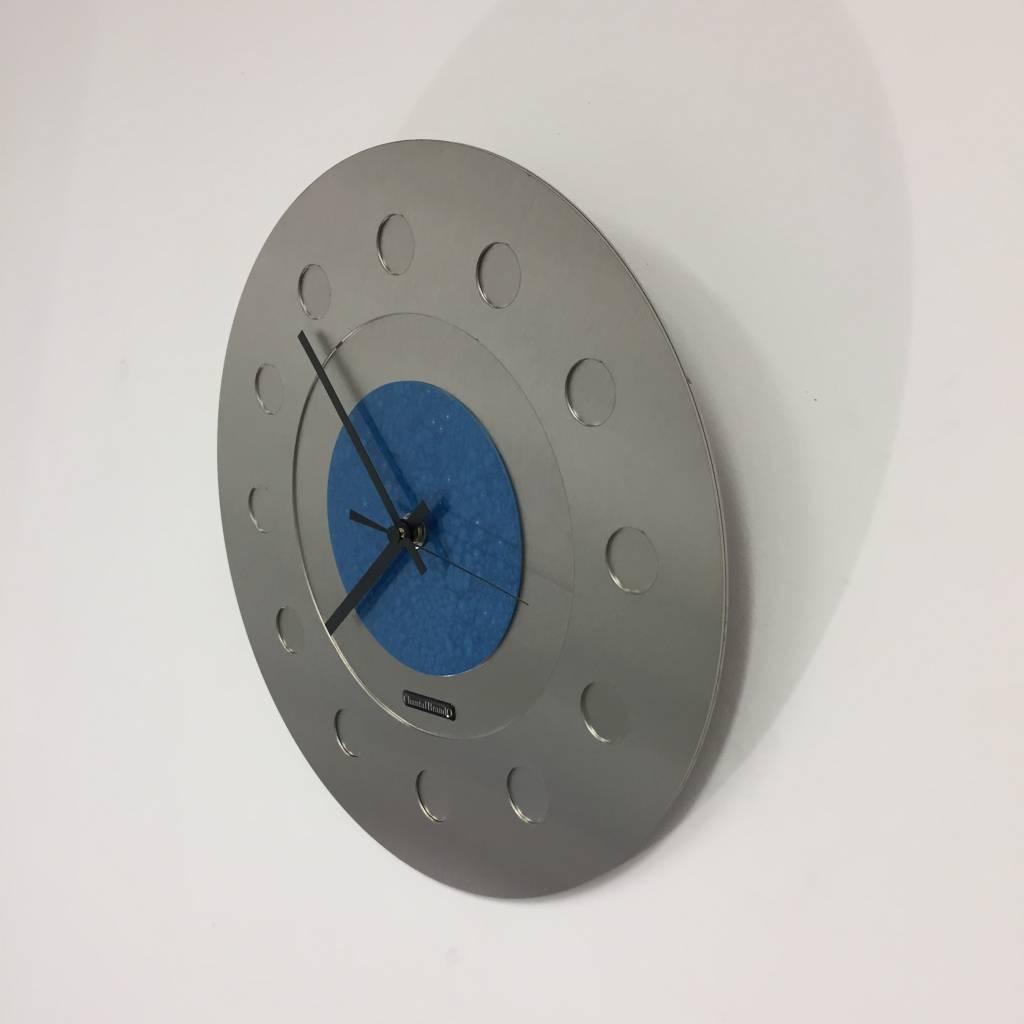 ChantalBrandO Wandklok Industrial Revolution Blue Hammer