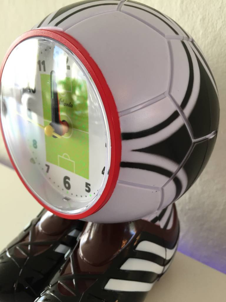 Atlanta Kinderwekker voetbal met voetbalschoenen
