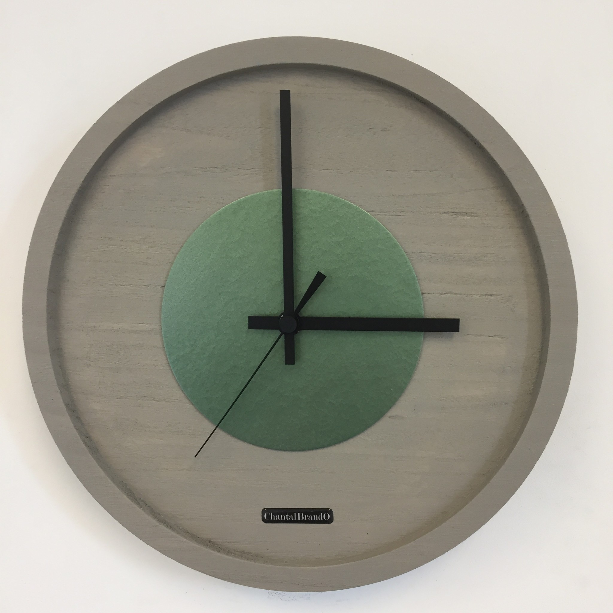 ChantalBrandO Wandklok Quinten Green Hammer Modern Design