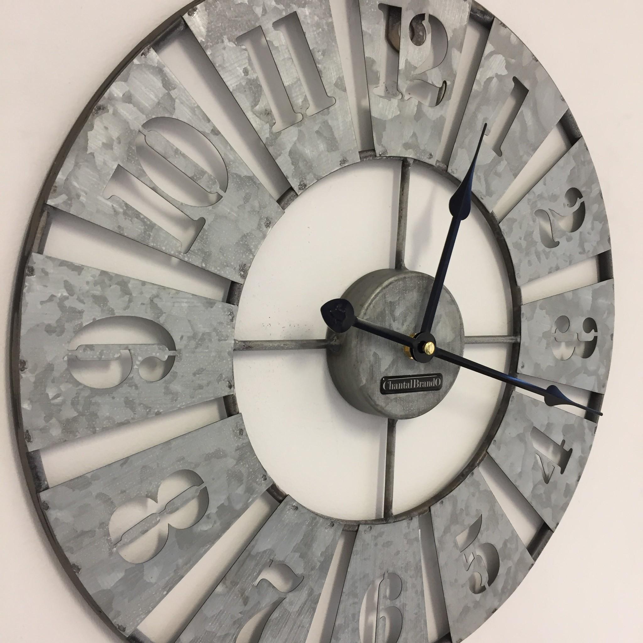 ChantalBrandO Wandklok in zink metaal design