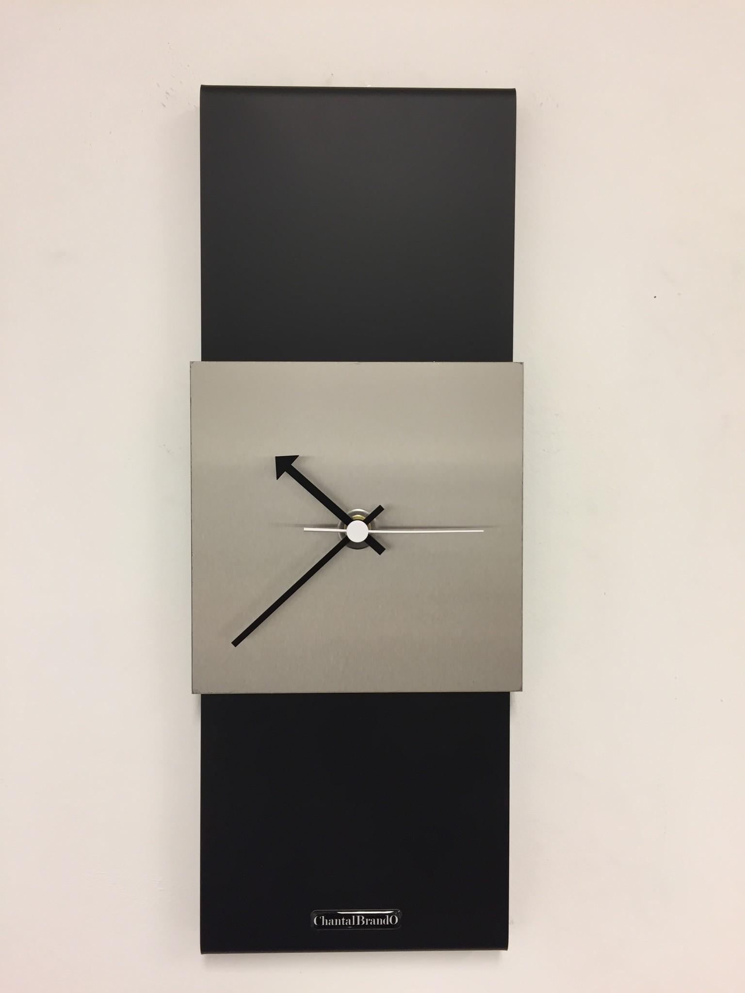 ChantalBrandO Wandklok Black-Line Silver Square White Pointer Modern Design
