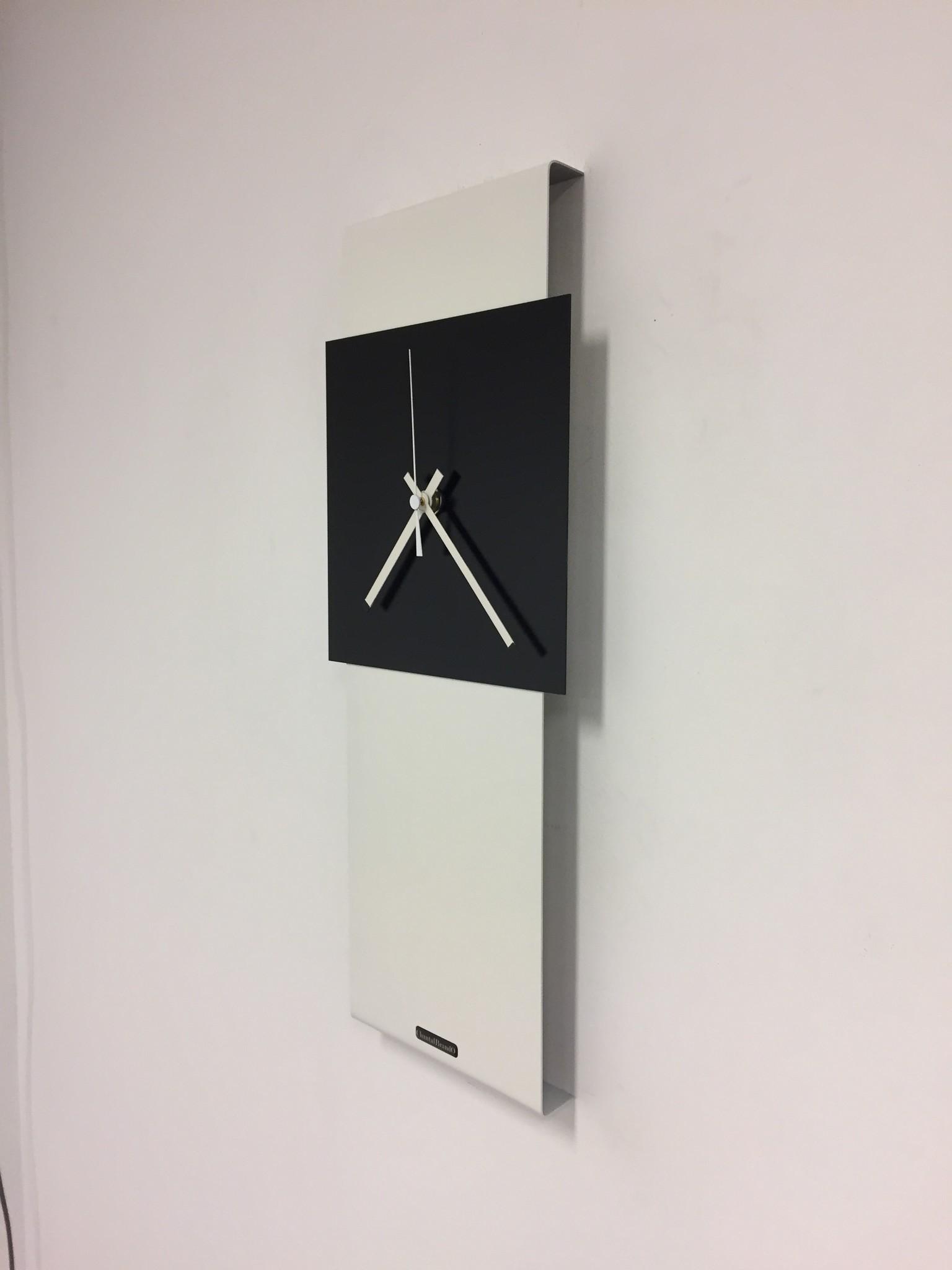 ChantalBrandO Wandklok LaBrand Export Line White & Black Square Modern Dutch Design
