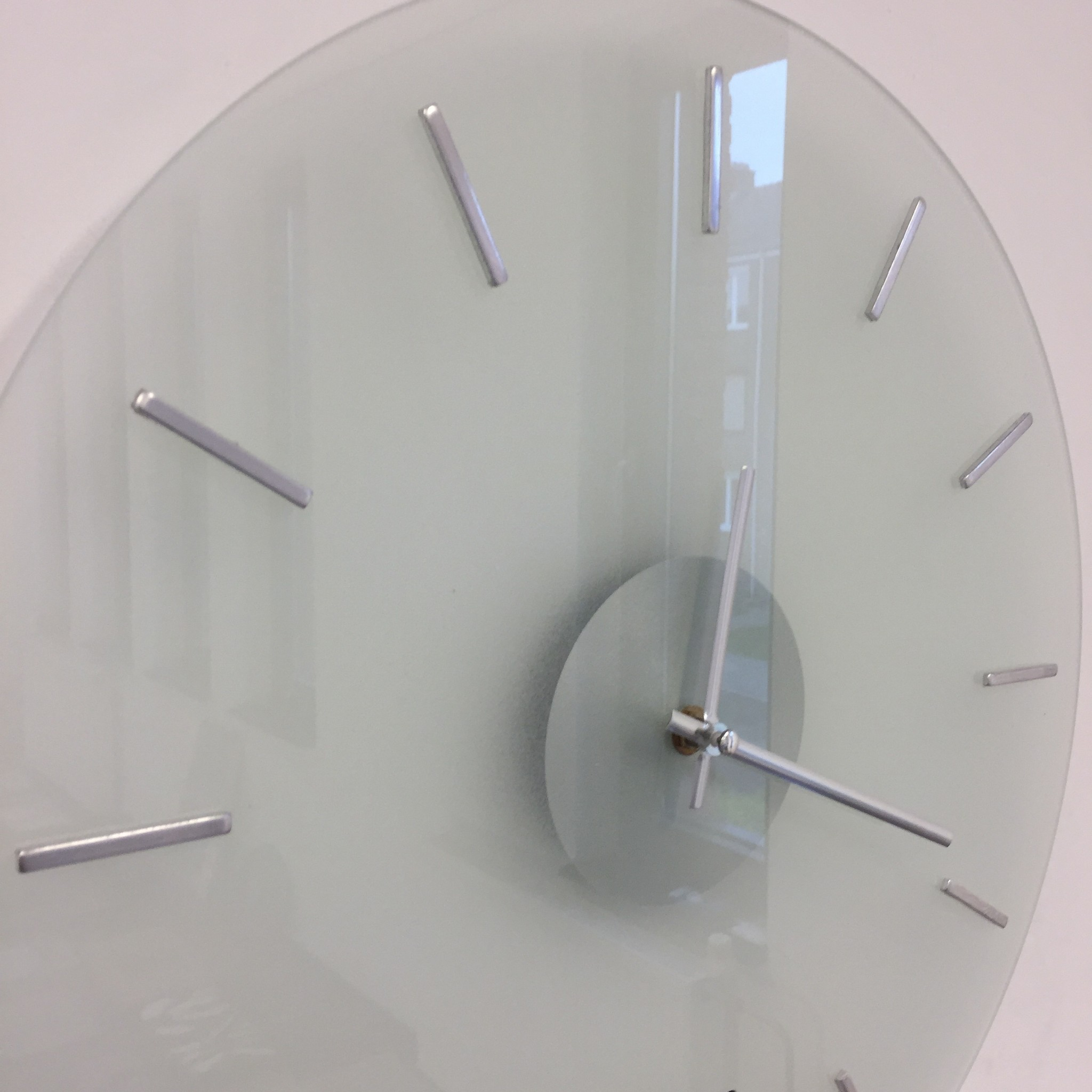 ChantalBrandO Wandklok POLAR WHITE modern design