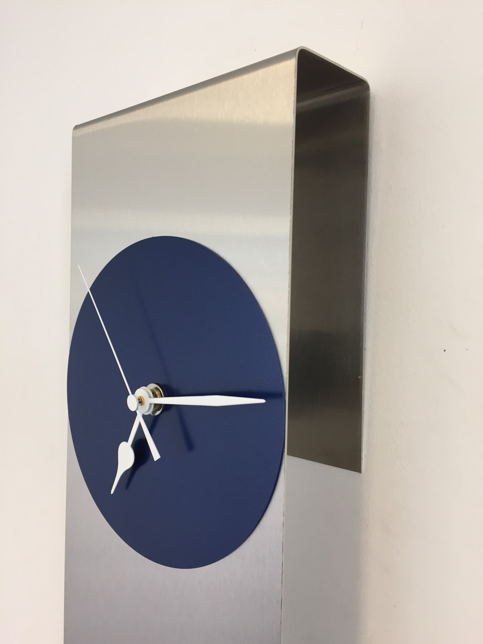 ChantalBrandO Wandklok Mahattan Blue Modern design