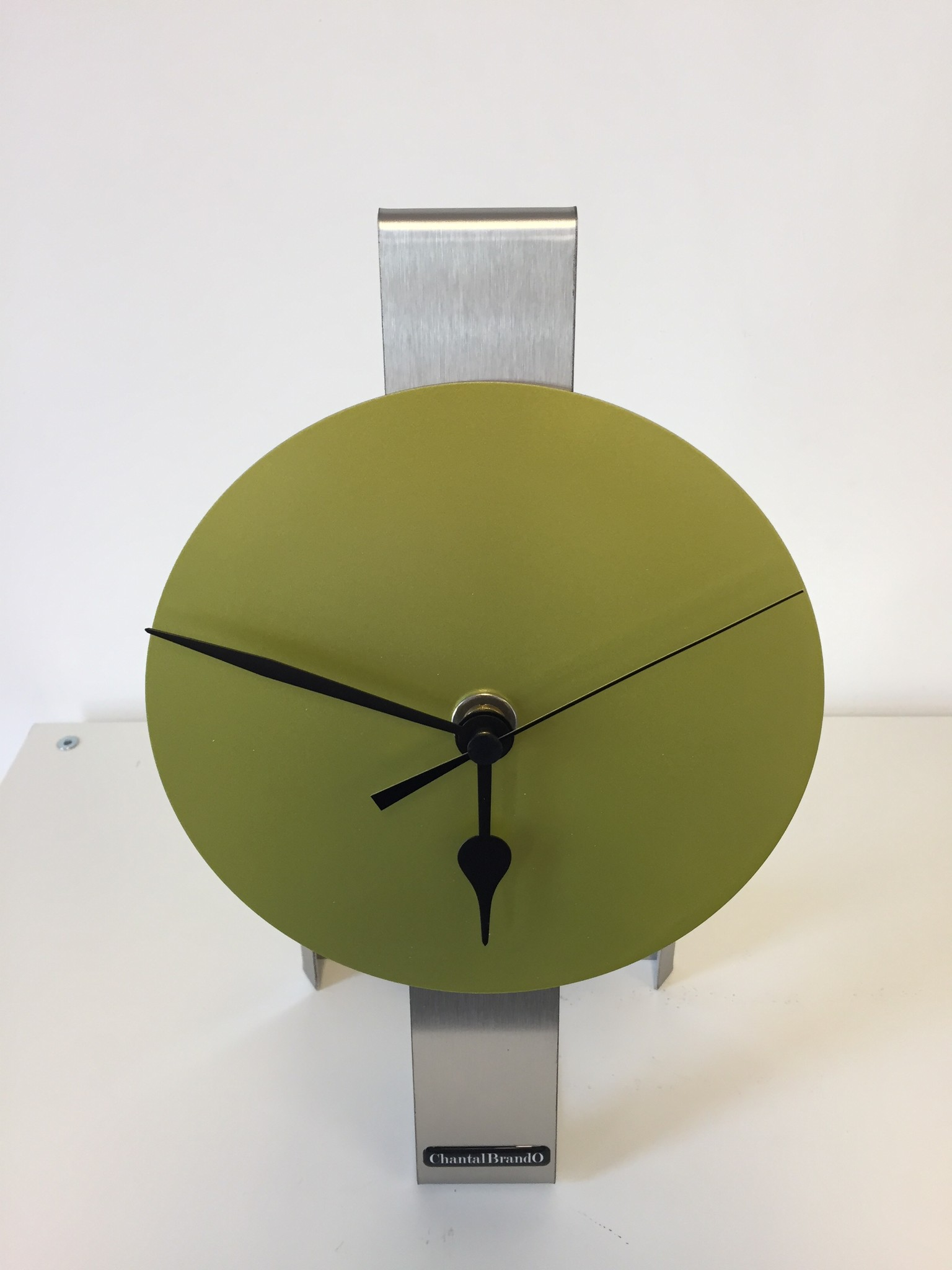 ChantalBrandO Tafelklok SPIRIT LIME GREEN MODERN DUTCH DESIGN