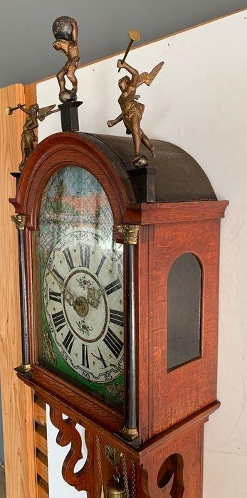 Friese staartklok antiek 1850