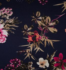Punta print navy flowers