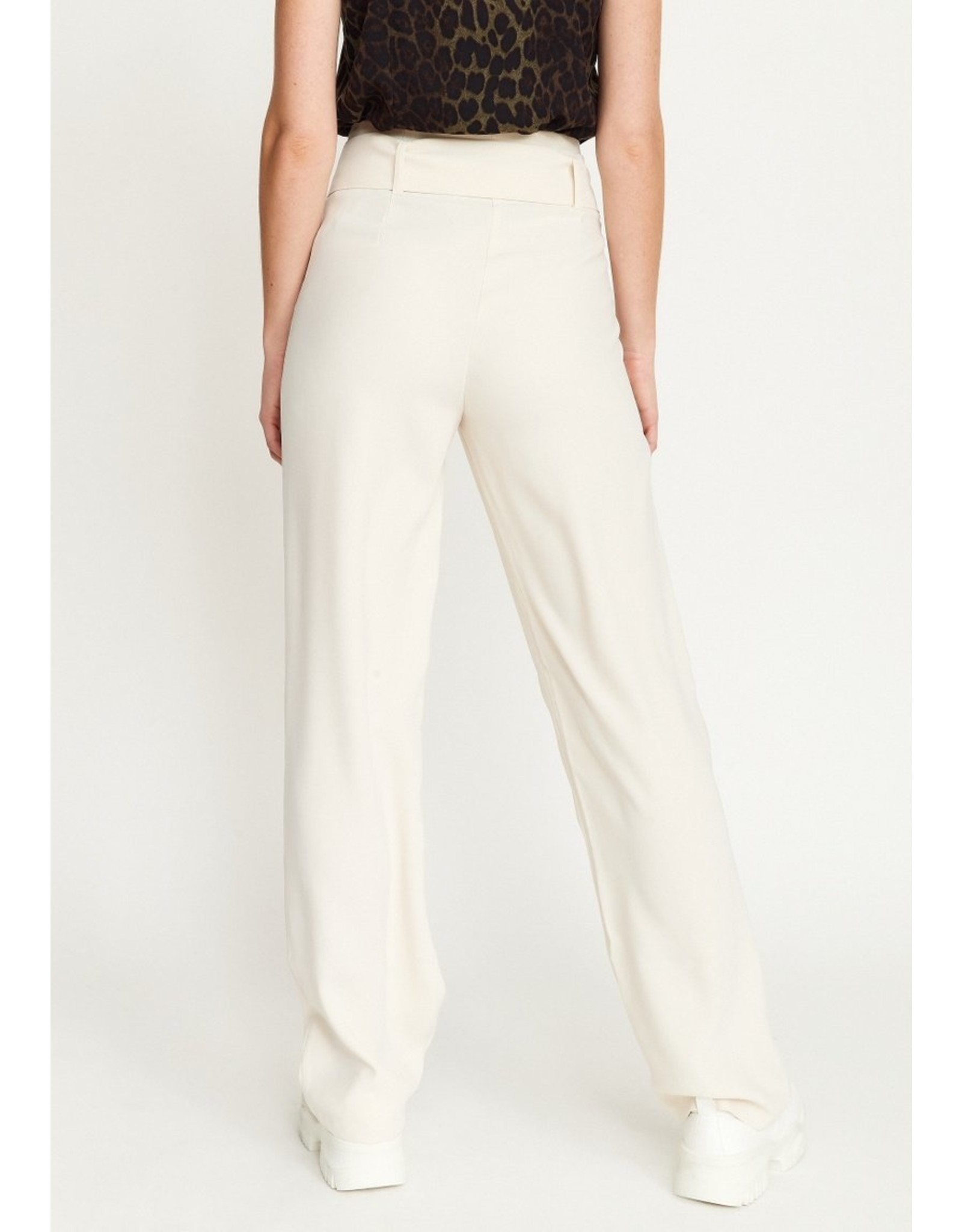 Rut & Circle Nina Straight Pant Light Beige