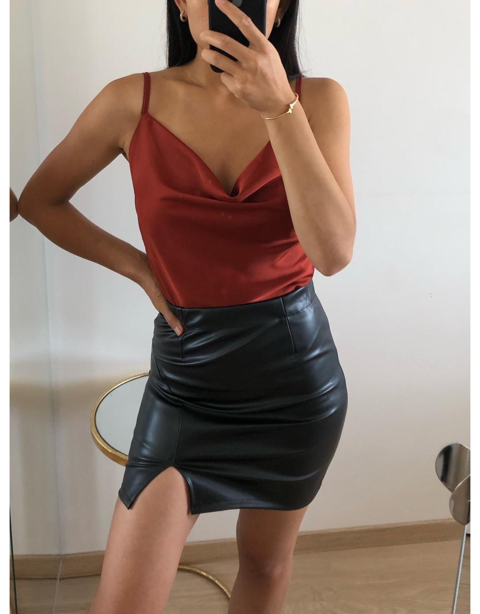 Eight Paris Naomi Satin Top Rouge