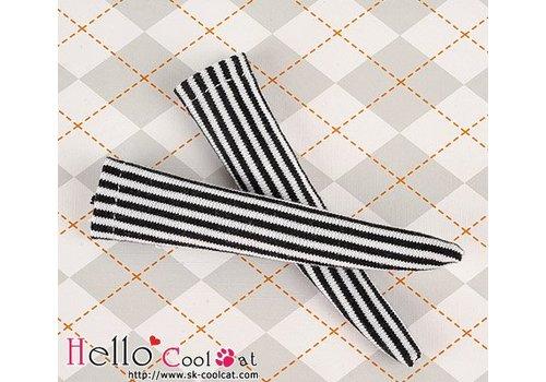 Coolcat Knee Socks Vertical Thin Stripe Black & White