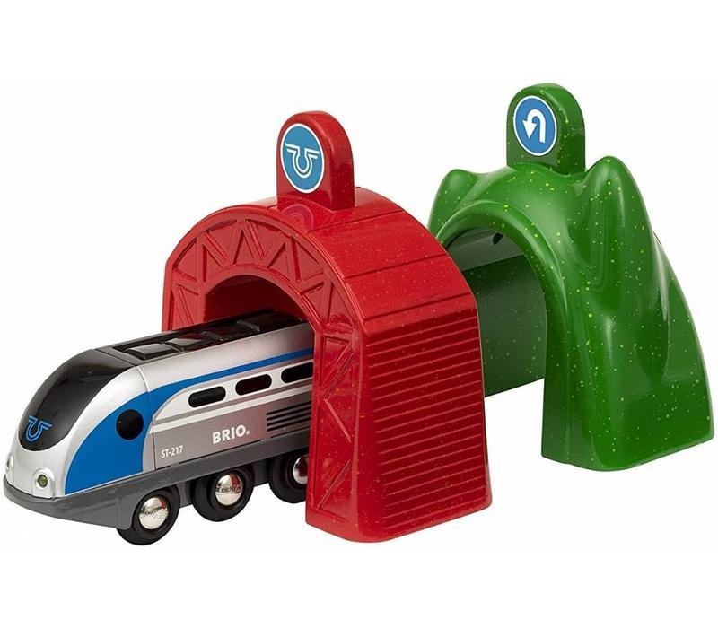 Brio Smart Locomotief Met Actietunnels