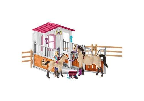 Schleich Schleich Paardenbox met Arabische Paarden en Verzorgster