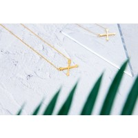 Kuku Necklace Arrow Gold