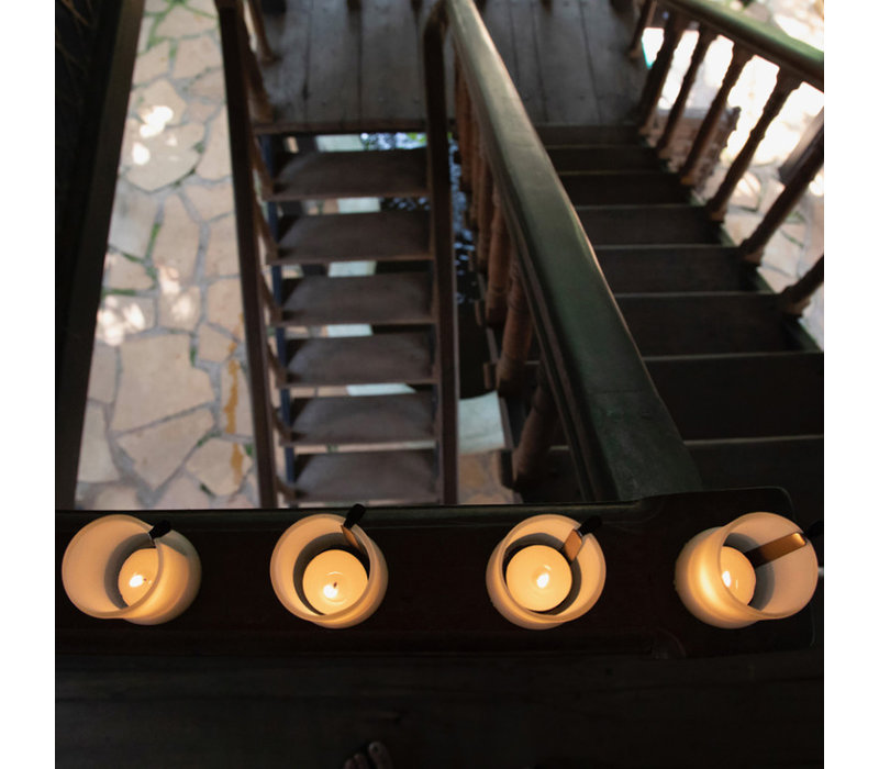 IWAS Set of 4 Frosted T-light Holders + 1 T-light