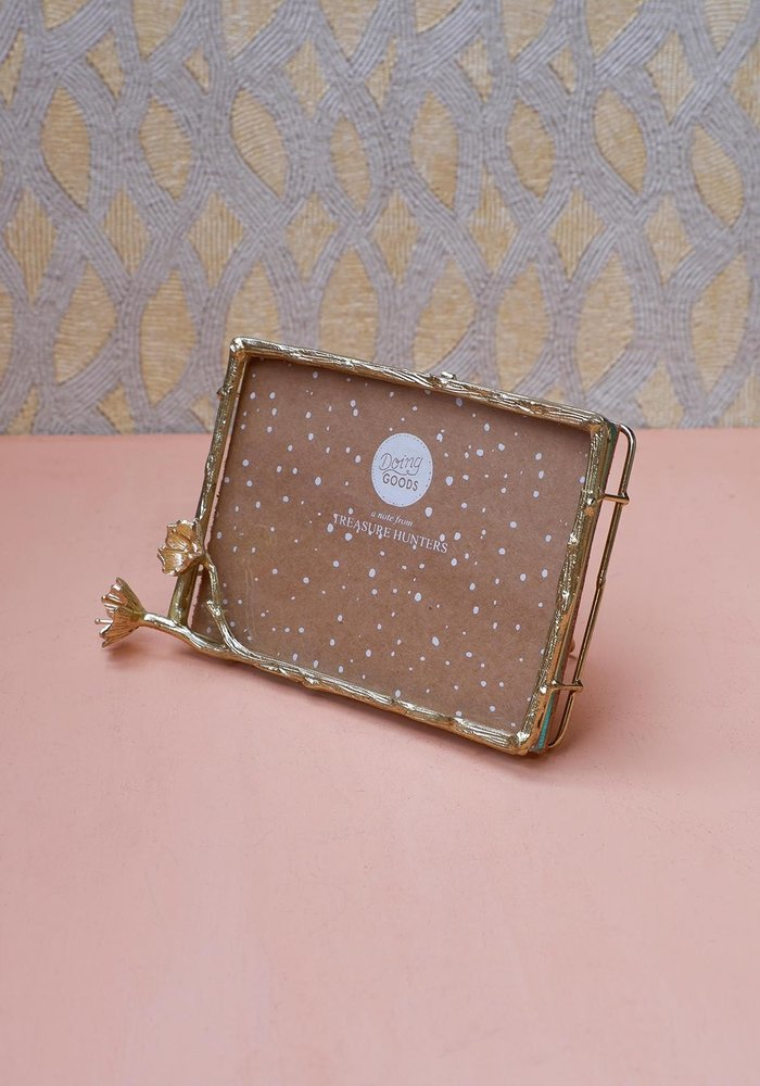Doing Goods - Ava Blossom Frame Large Gold Matt