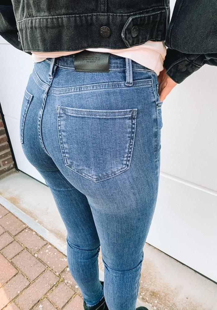 Homage Skinny Jeans - Mid Blue