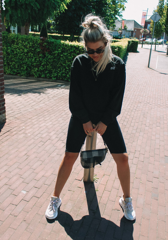 Alix - Ladies Knitted Oversized On Tour Sweater Black
