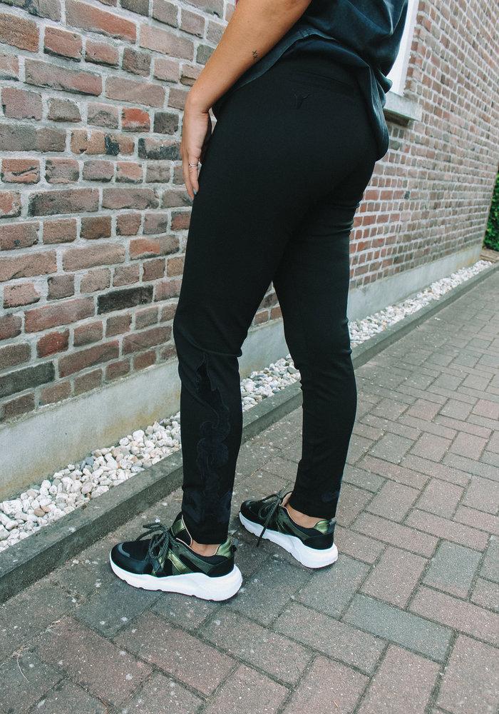 Alix - Ladies Knitted Clean Pants Black