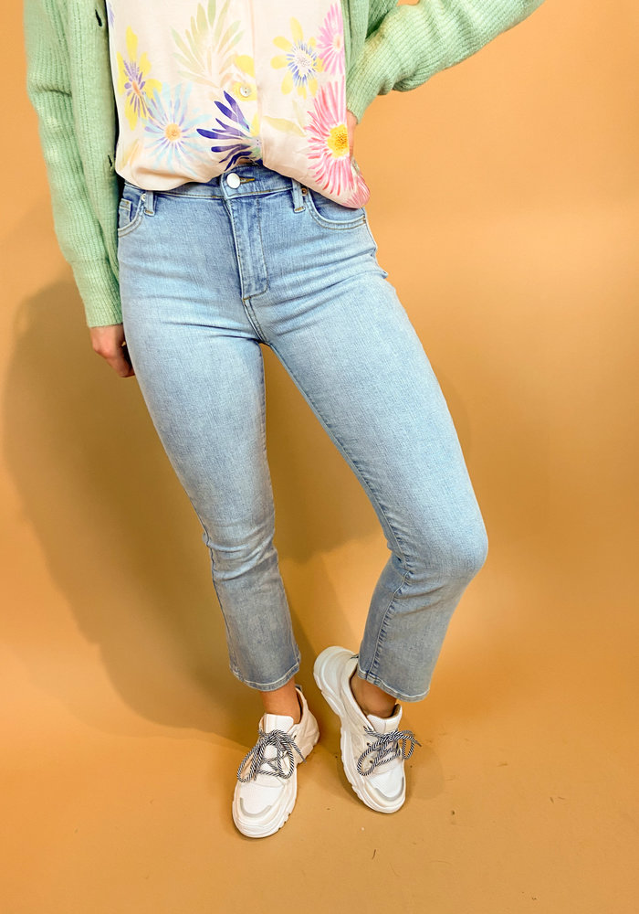 Homage - Debbie - Cropped Flared Jeans - Bleached