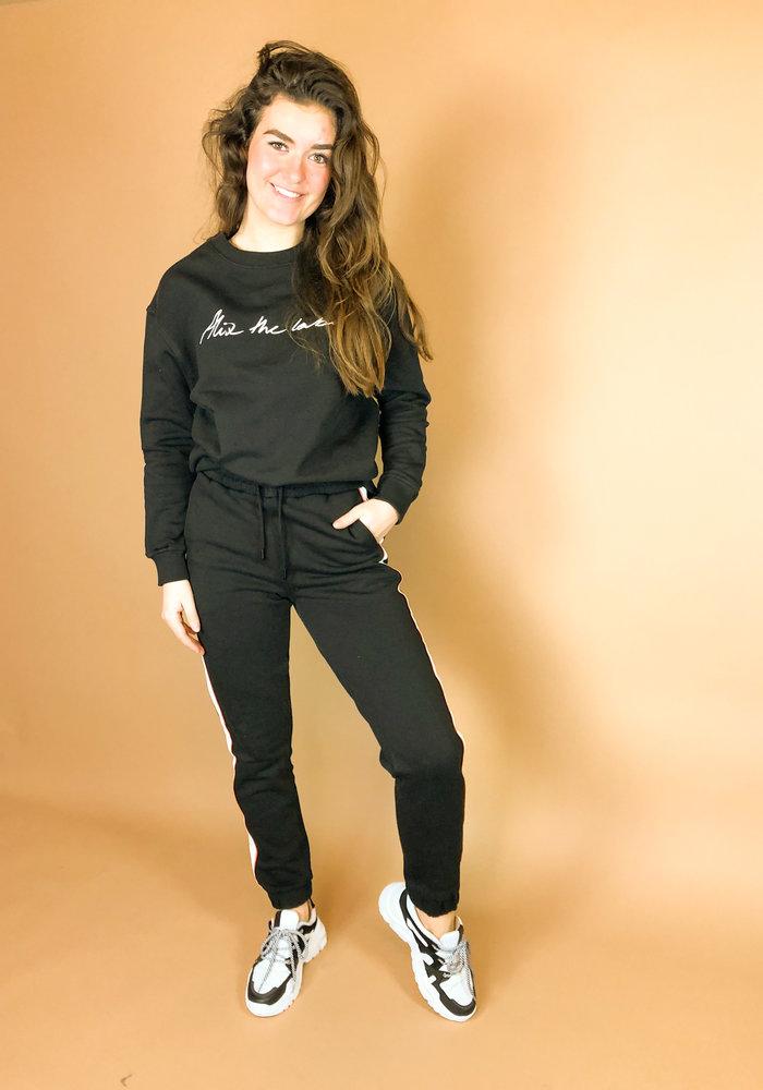 Alix - Ladies knitted sweat pants black