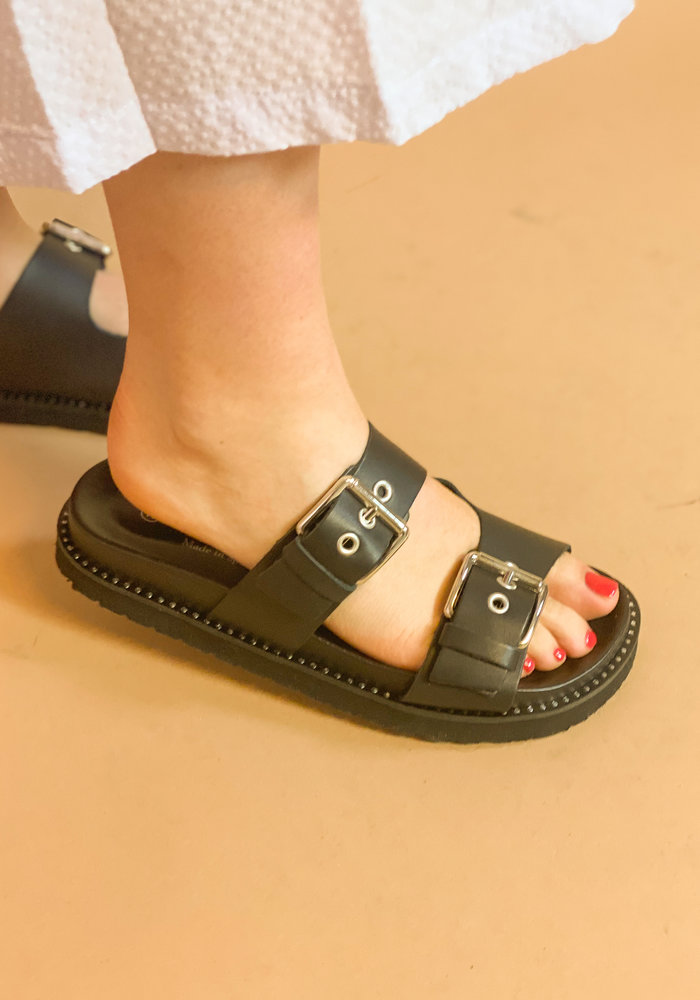 Redesigned - Nakia slipper Black