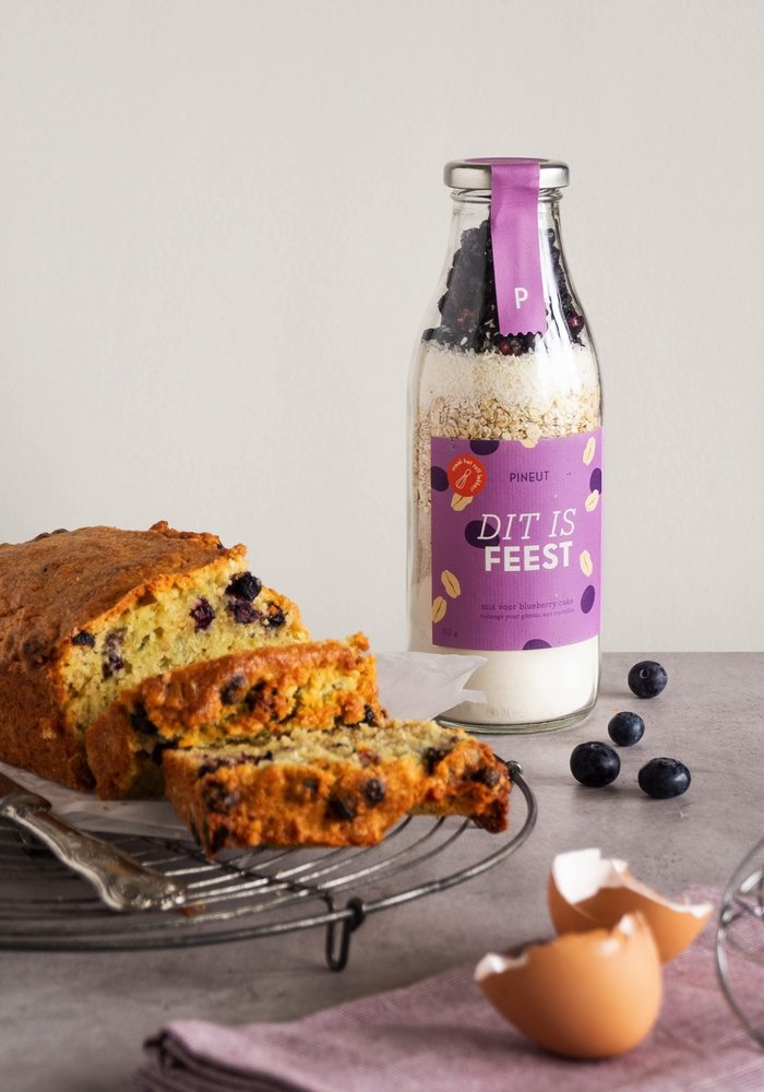 Pineut - BlueBerry Cake