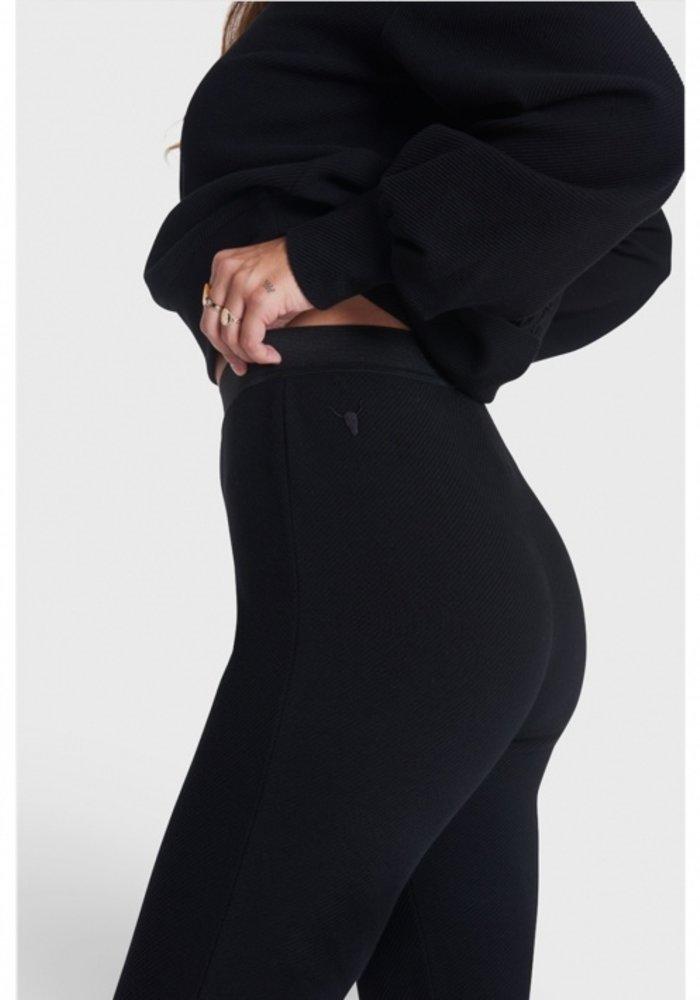 Alix - Ladies Knitted Legging Black