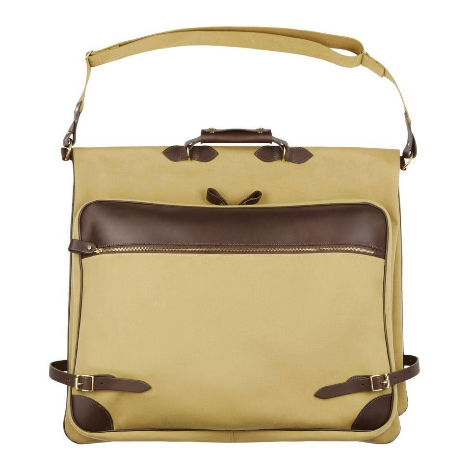 Chapman Folding Suit Carrier