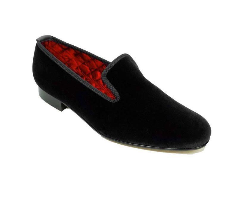 Embroidered Velvet Slippers - Black