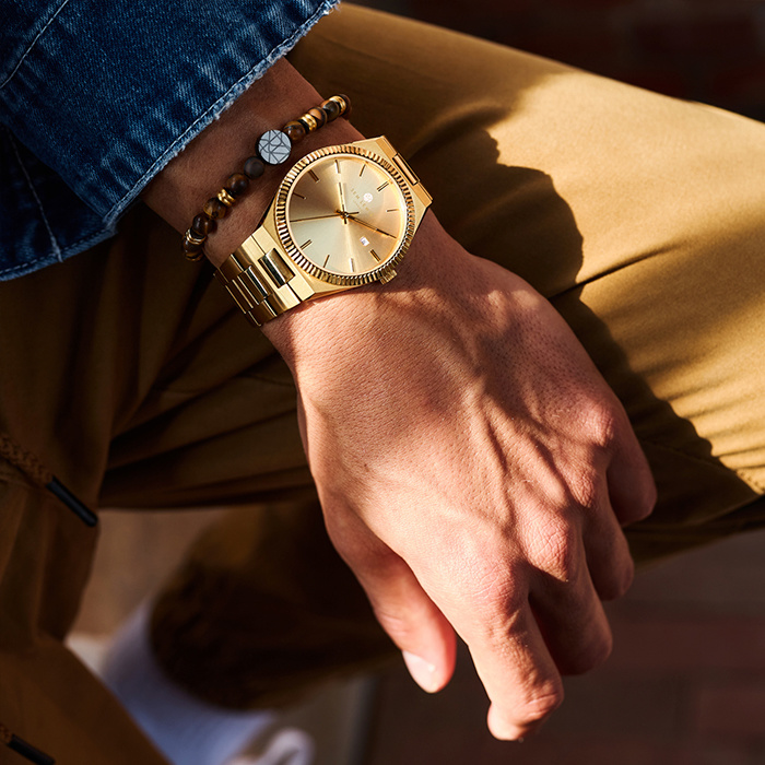 Sem Lewis Aldgate horloge goudkleurig
