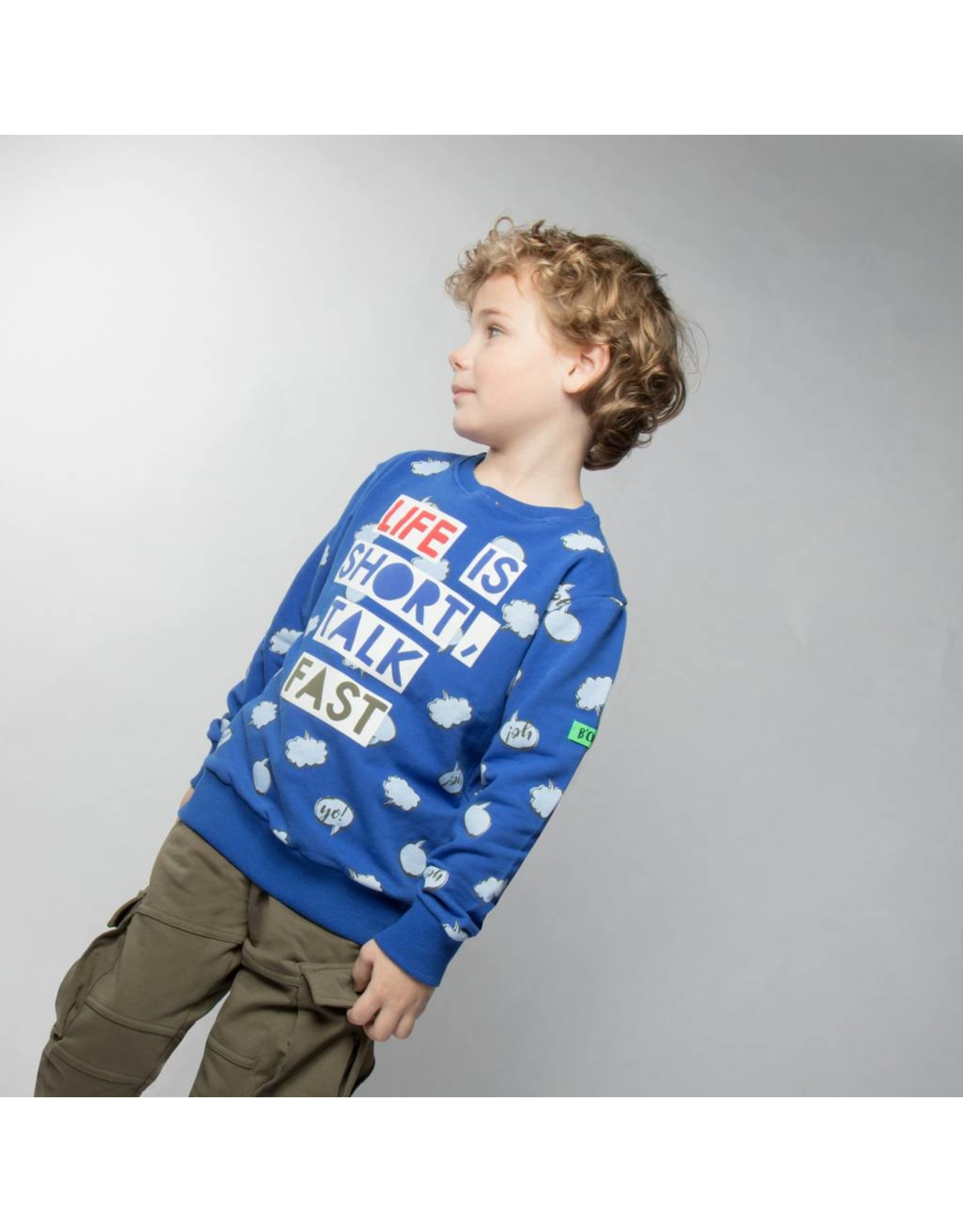B'Chill B'Chill sweater met wolken