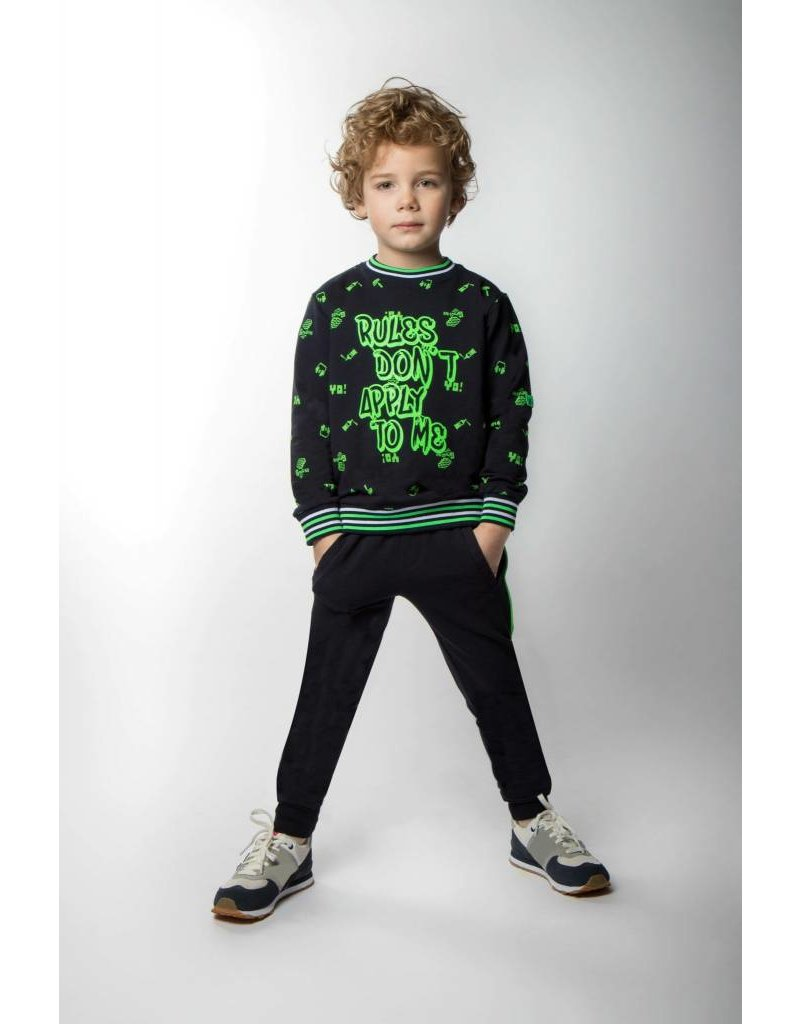 B'Chill B'Chill sweater met Neon Green Doodles